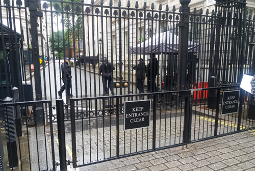 downingstreetfence.PNG